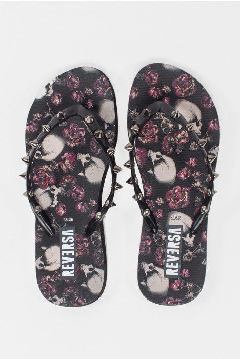 Chinelo Spikes Floral Caveiras